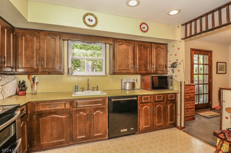 28 FEATHERBED LN Raritan Twp., NJ 08822 - MLS #: 3490109
