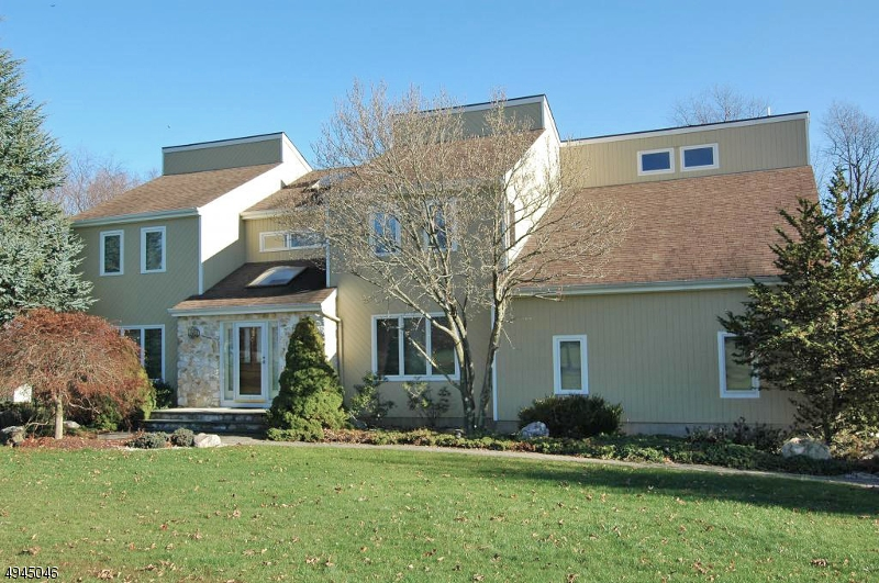Photo of home for sale at 109 NARATICONG TRL, Readington Twp. NJ