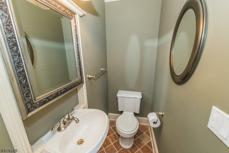 8 BROOKSIDE TER North Caldwell Boro, NJ 07006 - MLS #: 3480410