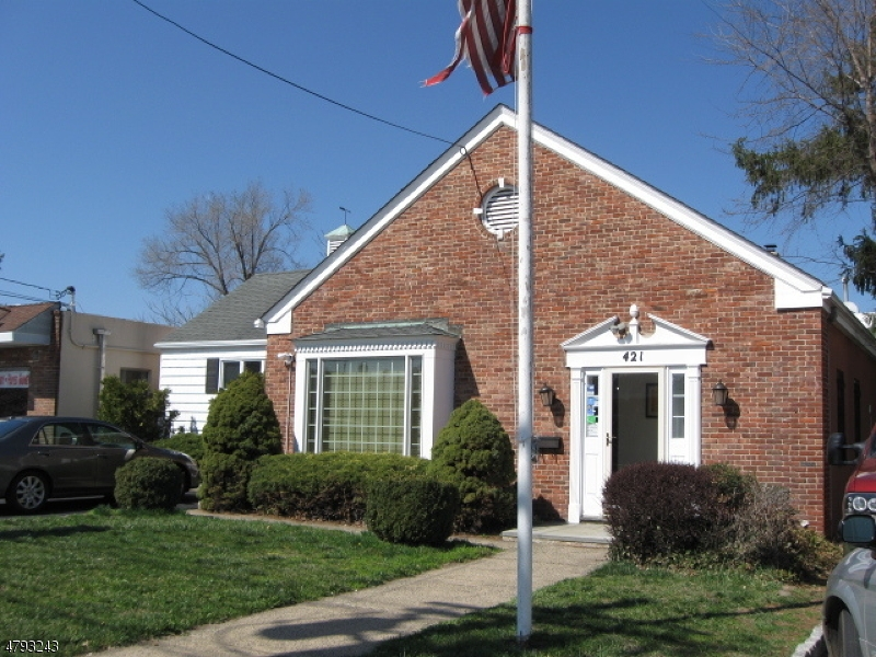 Photo of home for sale at 421 w union ave, Bound Brook Boro NJ