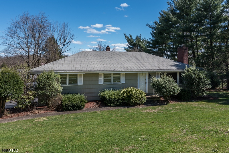Photo of home for sale at 508 FRANKLIN TER, Wyckoff Twp. NJ
