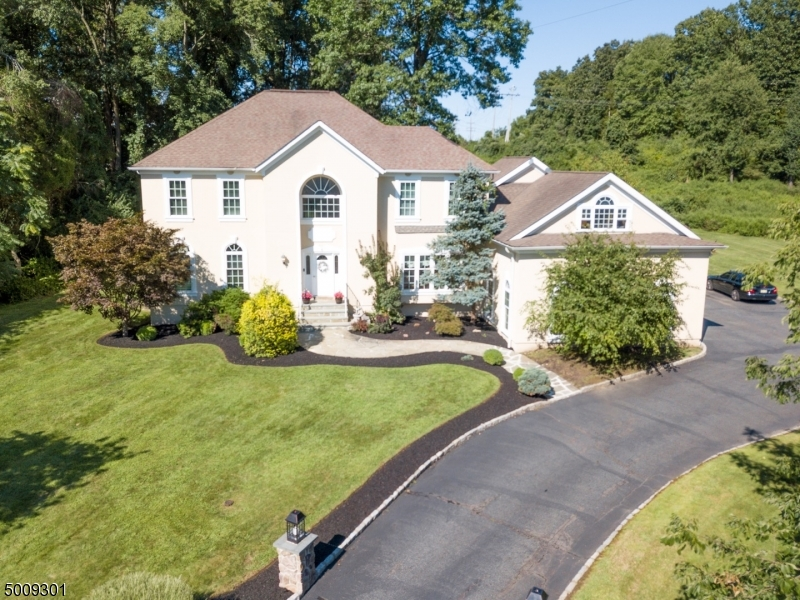 Photo of home for sale at 6 BALDWIN CT, Montville Twp. NJ