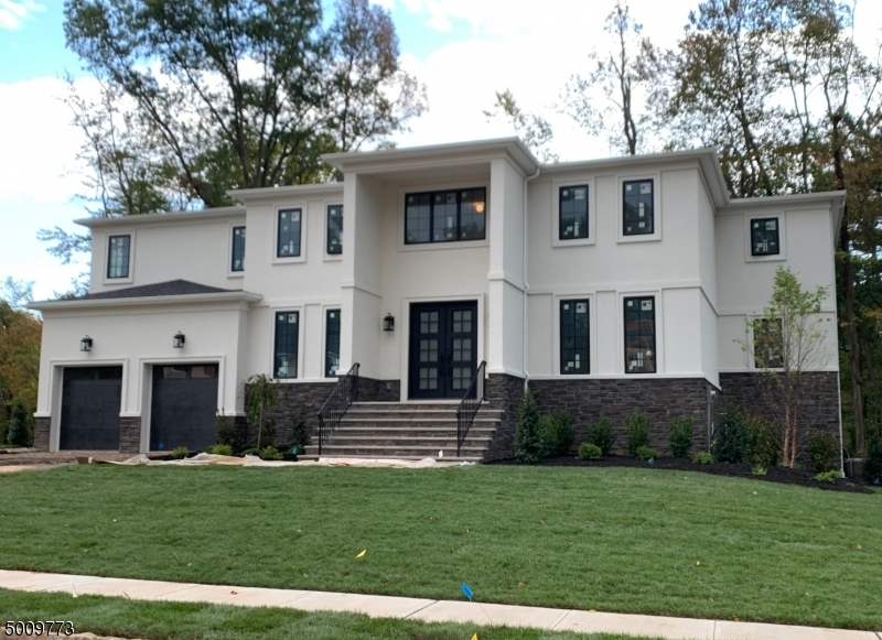 Photo of home for sale at 6 Woodside Ct., Edison Twp. NJ