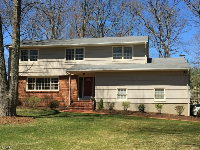 Property for sale at 689 Knollwood Rd, Franklin Lakes Borough,  NJ 07417