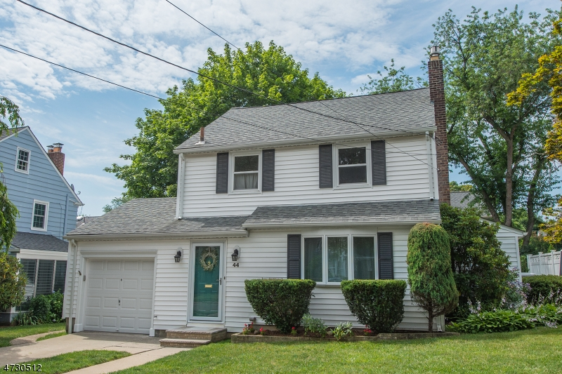 44 Haines Dr, Bloomfield Township, NJ 07003