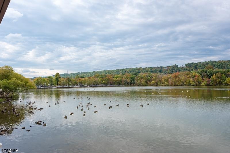 4 Lagoon Way Roxbury Twp., NJ 07852 - MLS #: 3424511