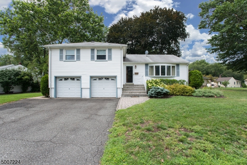 Photo of home for sale at 83 GARDEN OVAL, Springfield Twp. NJ