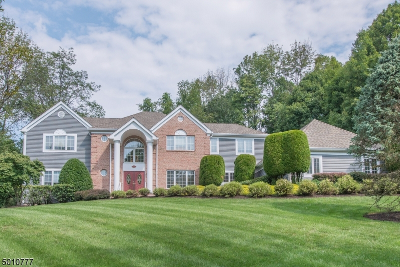 Photo of home for sale at 19 HEATHER LN, Randolph Twp. NJ