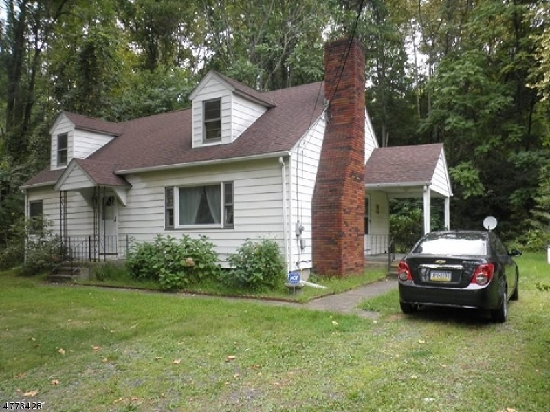 Photo of home for sale at 19 US-46, Knowlton Twp. NJ