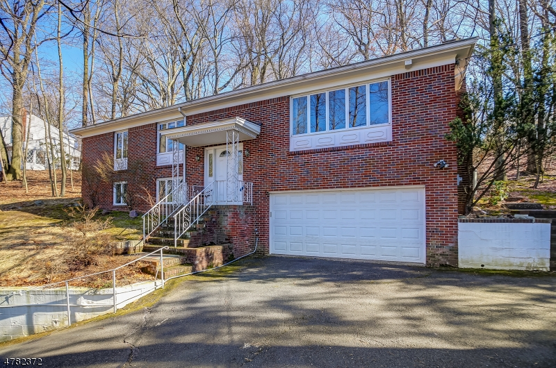 Property for sale at 1055 Summit Ln, Mountainside Boro,  NJ  07092