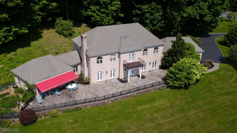 Photo of home for sale at 3 ALPAUGH FARM RD, Tewksbury Twp. NJ
