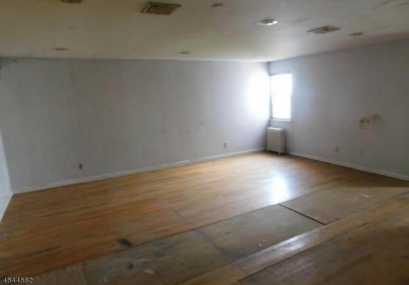 156 WASHINGTON AVE Elmwood Park Boro, NJ 07407 - MLS #: 3508212
