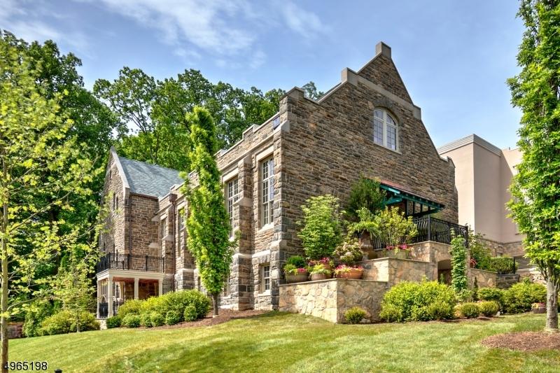 Photo of home for sale at 80 CLAREMONT RD UNIT 102, Bernardsville Boro NJ