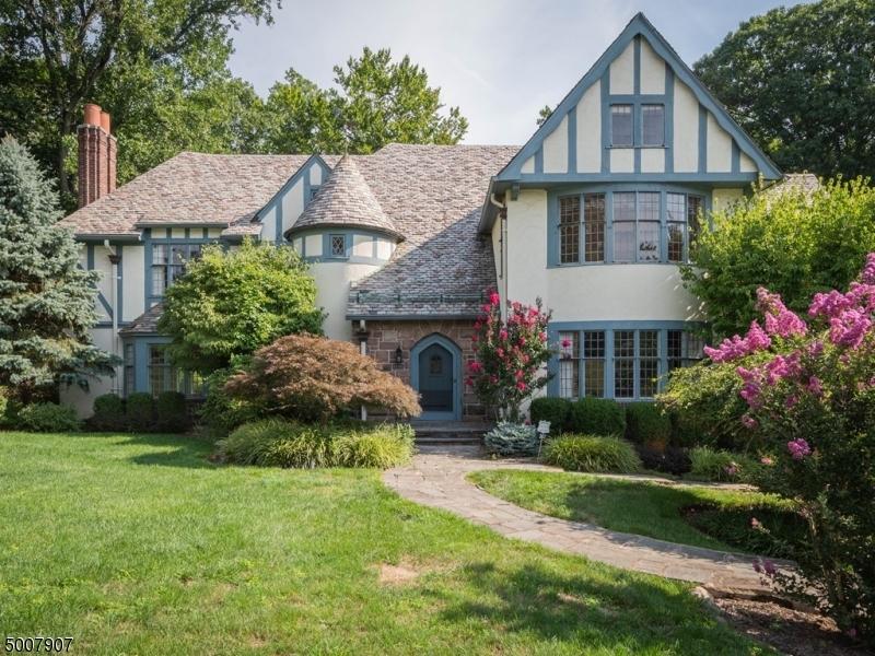 Property for sale at 367 Ravine Dr, South Orange Village Twp.,  New Jersey 07079