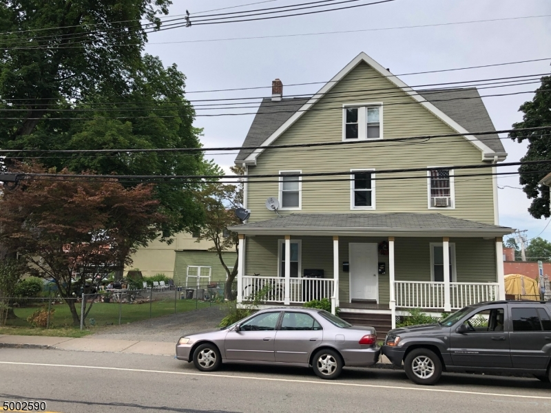 Photo of home for sale at 82 ABBETT AVE, Morristown Town NJ