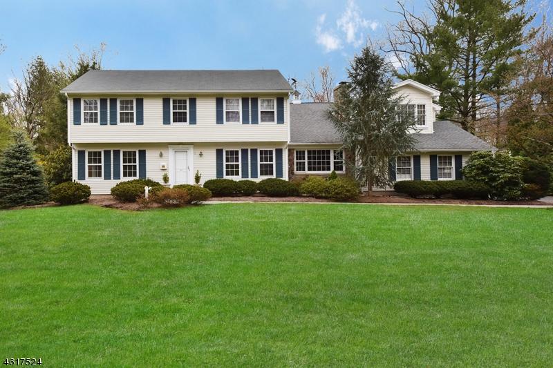 Property for sale at 22 Bonnie Way, Allendale Borough,  NJ 07401