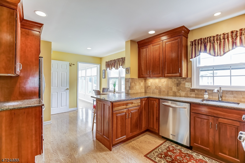 6 Chestnut Hill Dr Berkeley Heights Twp., NJ 07974 - MLS #: 3398414