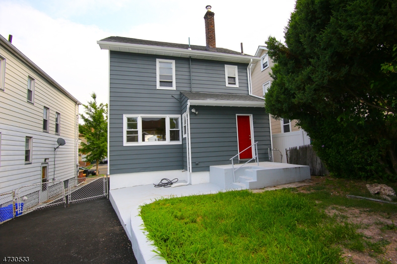 83 Chester Ave, Bloomfield Township, NJ 07003