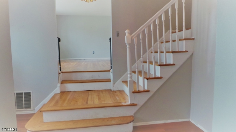 14 Wildwood Ave East Hanover Twp., NJ 07936 - MLS #: 3424414