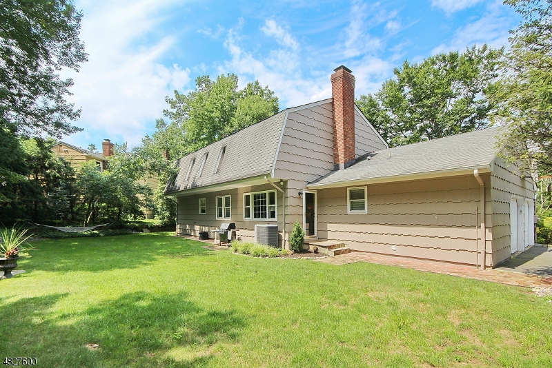 235 SPRING RIDGE DR Berkeley Heights Twp., NJ 07922 - MLS #: 3493814