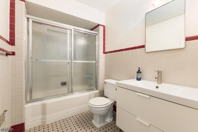 420 FAIRVIEW AVE Cedar Grove Twp., NJ 07009 - MLS #: 3508314