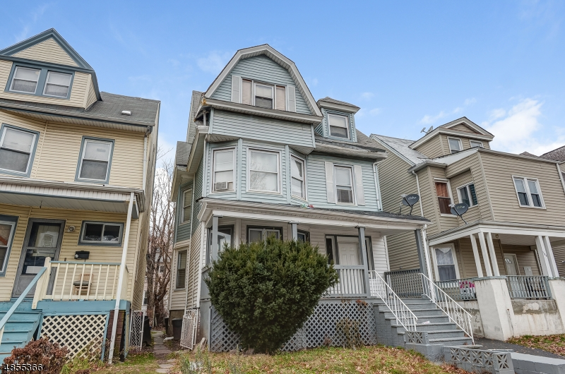 Photo of home for sale at 125 N 17TH ST, East Orange City NJ