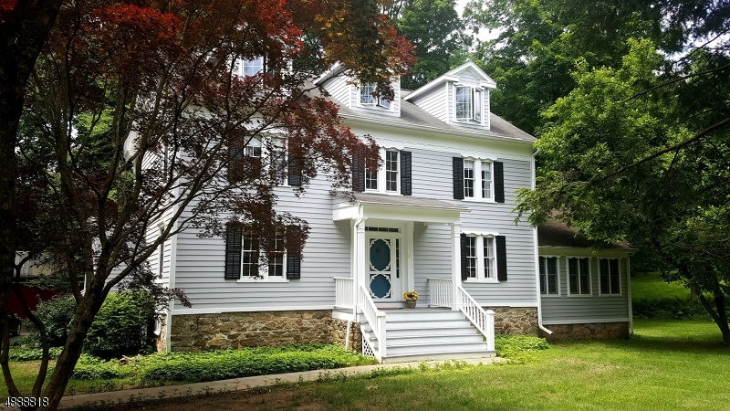 Photo of home for sale at 7 FAIRMOUNT RD EAST, Tewksbury Twp. NJ