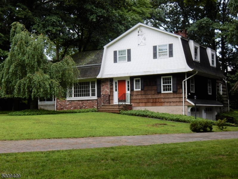 Photo of home for sale at 102 BROAD ST, Ramsey Boro NJ