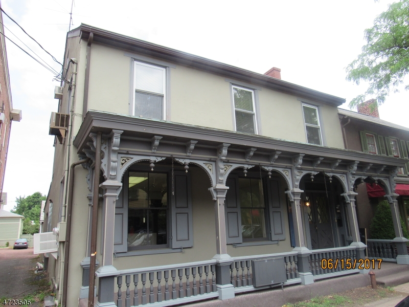 Photo of home for sale at 41 Bridge St, Frenchtown Boro NJ