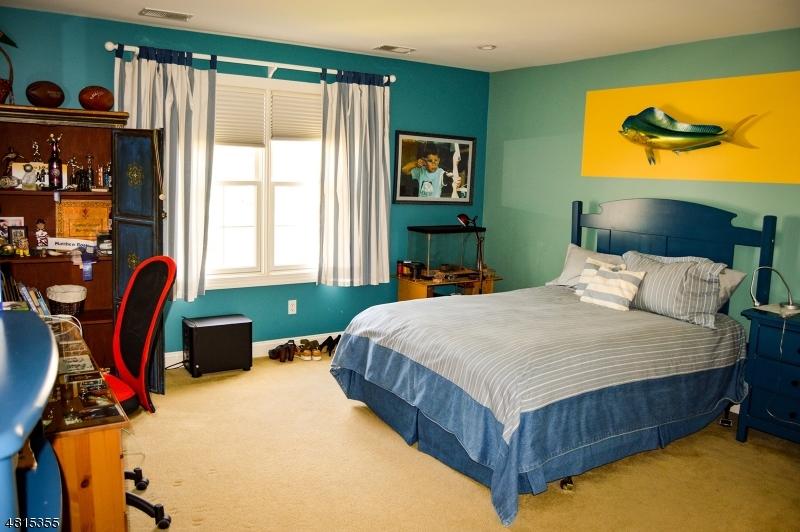 34 BAXTER LN West Orange Twp., NJ 07052 - MLS #: 3508315