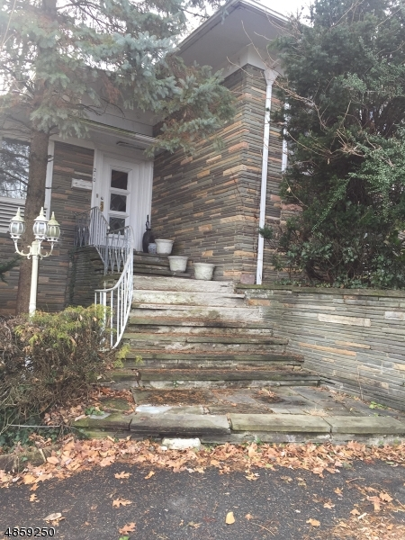 Property for sale at 210 Tillou Rd, South Orange Village Twp.,  New Jersey 07079
