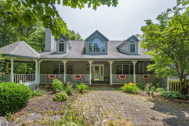 Photo of home for sale at 65 RIDGE RD, Sparta Twp. NJ