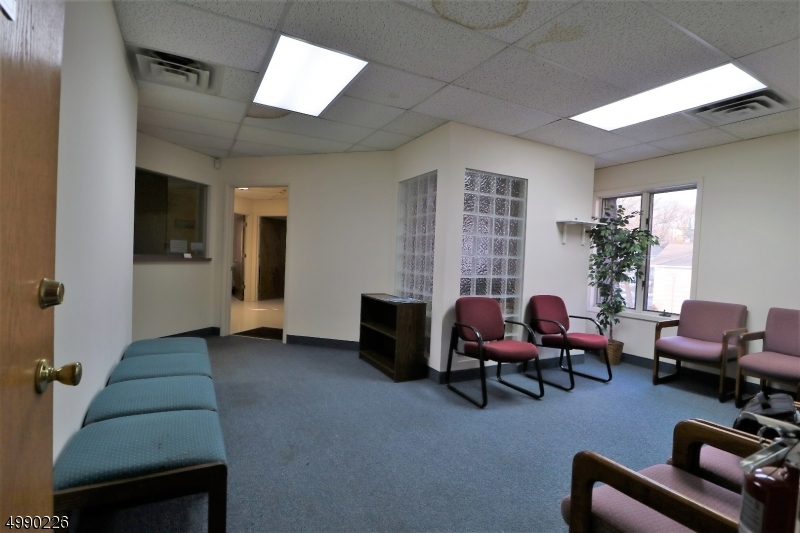 Photo of home for sale at 557 BROAD ST, Bloomfield Twp. NJ