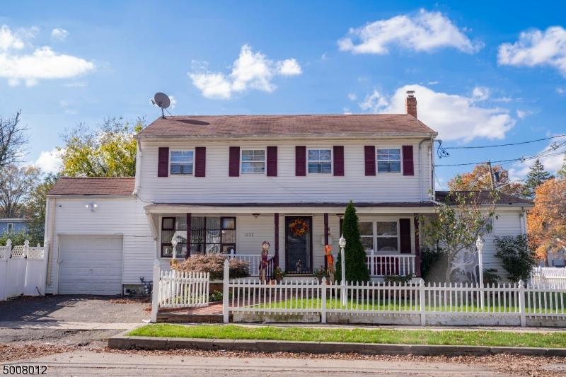 Photo of home for sale at 1232 WHEATSHEAF RD, Roselle Boro NJ