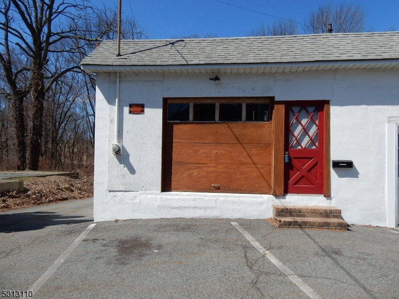 Photo of home for sale at 134 MAIN ST, Netcong Boro NJ