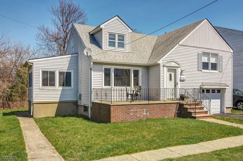 190 Baldwin Pl, Bloomfield Township, NJ 07003