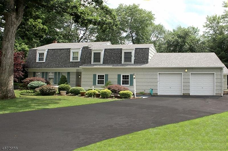 Photo of home for sale at 10 Bonita Ter, Wayne Twp. NJ