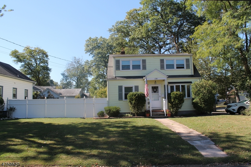 135 Stephenson Ave Middlesex Boro, NJ 08846 - MLS #: 3421816