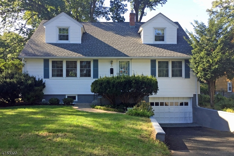424 Smith Pl Ridgewood Village, NJ 07450 - MLS #: 3424416