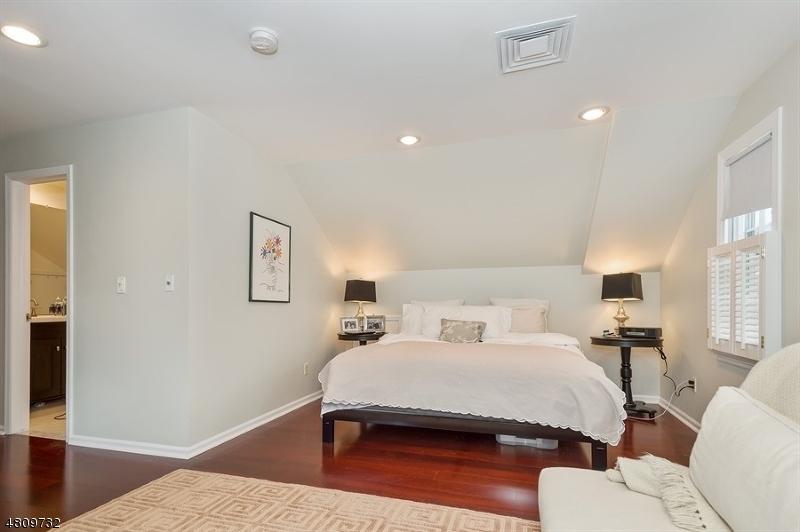 4 MURRAY HILL SQ New Providence Boro, NJ 07974 - MLS #: 3480416