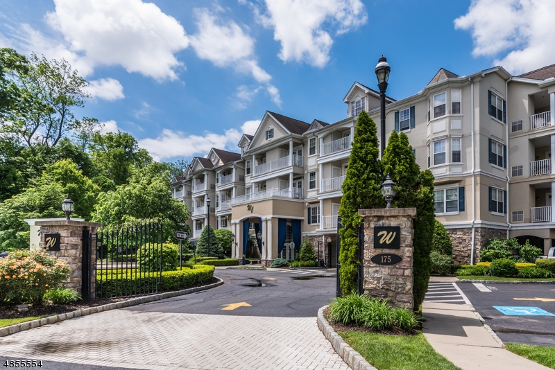 Photo of home for sale at 175 ROCHELLE AVE APT 101, Rochelle Park Twp. NJ