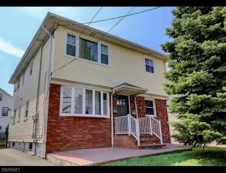 Photo of home for sale at 754 RAHWAY AVE, Elizabeth City NJ