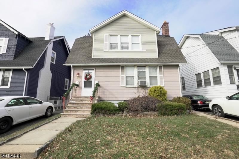 Photo of home for sale at 305 PARK PL, Irvington Twp. NJ