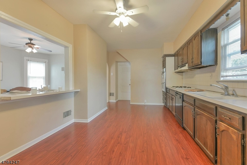 35 CLOVERHILL PL Montclair Twp., NJ 07042 - MLS #: 3434717
