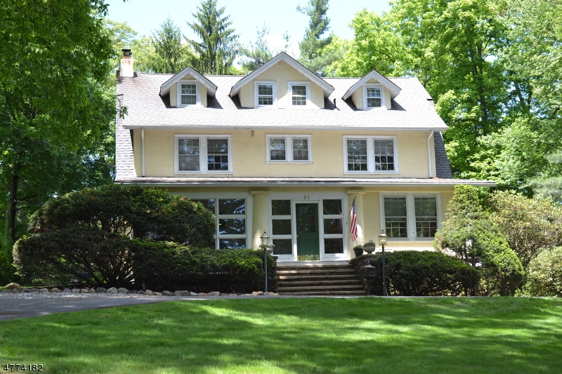 Photo of home for sale at 81 BALL RD, Mountain Lakes Boro NJ
