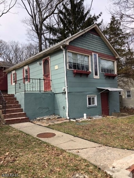 Photo of home for sale at 6 MADISON TRL, Hopatcong Boro NJ