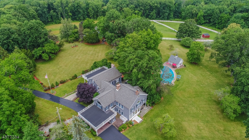 Photo of home for sale at 20 Dickson Rd, Hampton Twp. NJ