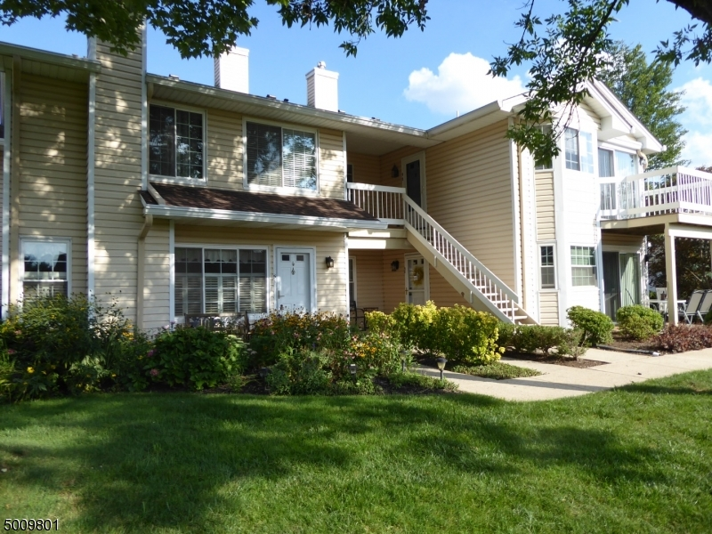 Photo of home for sale at 52 FOXWOOD CT, Bedminster Twp. NJ