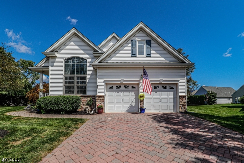 Photo of home for sale at 15 BRAY CT, Franklin Twp. NJ