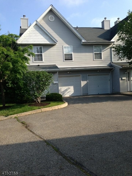 Photo of home for sale at 4 STAR LAKE RD, Bloomingdale Boro NJ